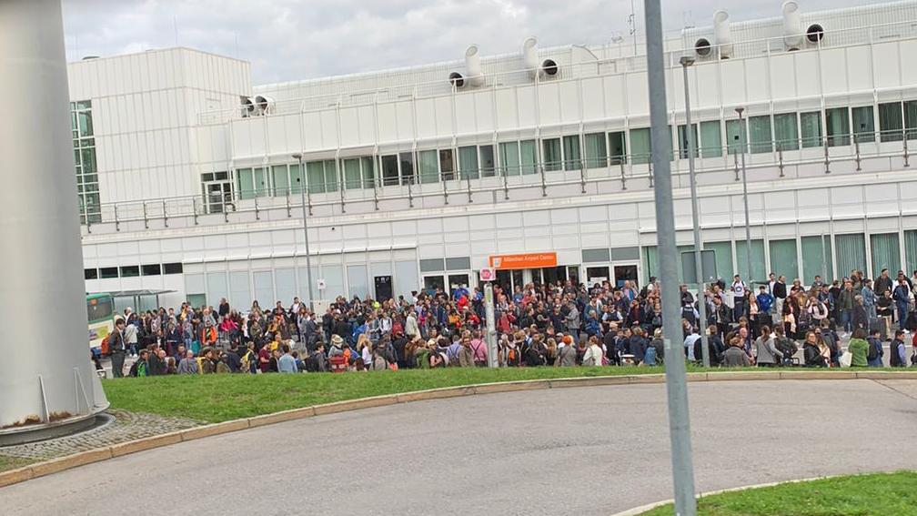 Den ganzen Tag über herrschte heute Chaos am Münchner Flughafen