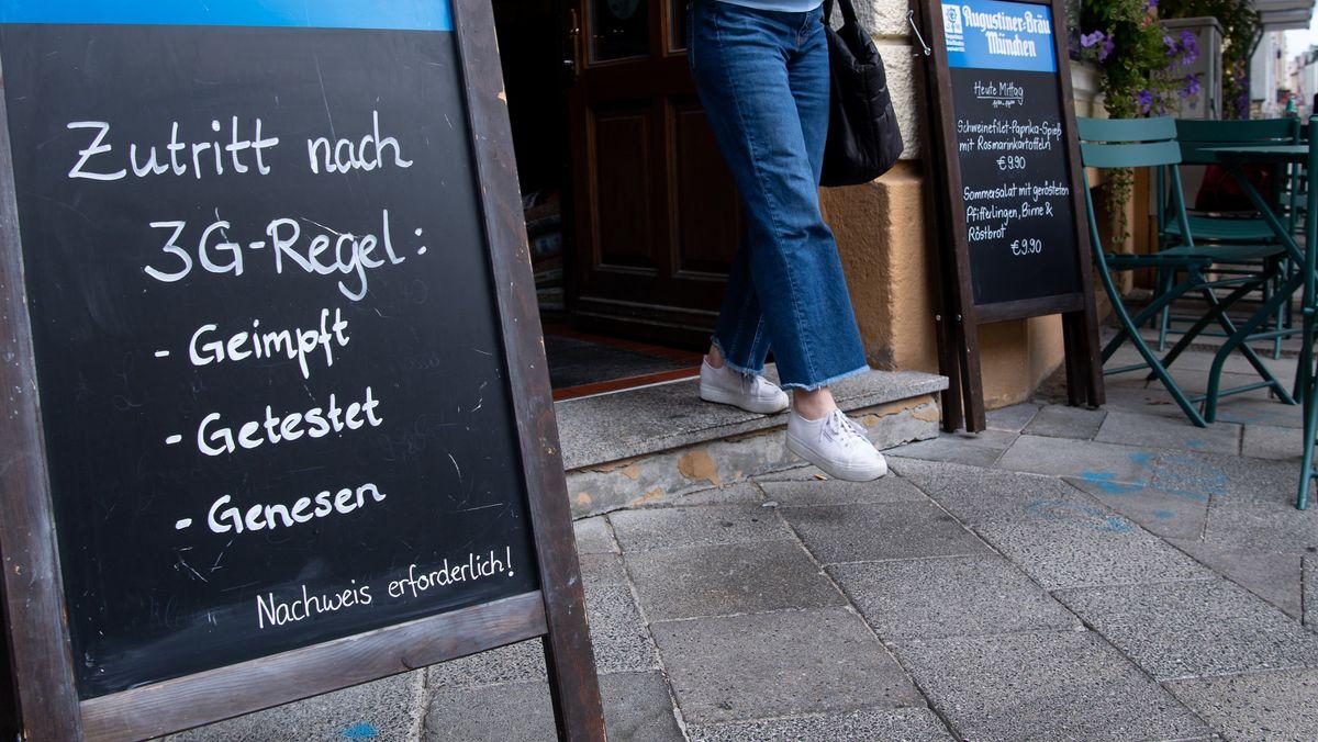 Die sogenannte 3G-Regel im Kampf gegen Corona hat in Bayern gleich zu Beginn Verwirrung gestiftet.