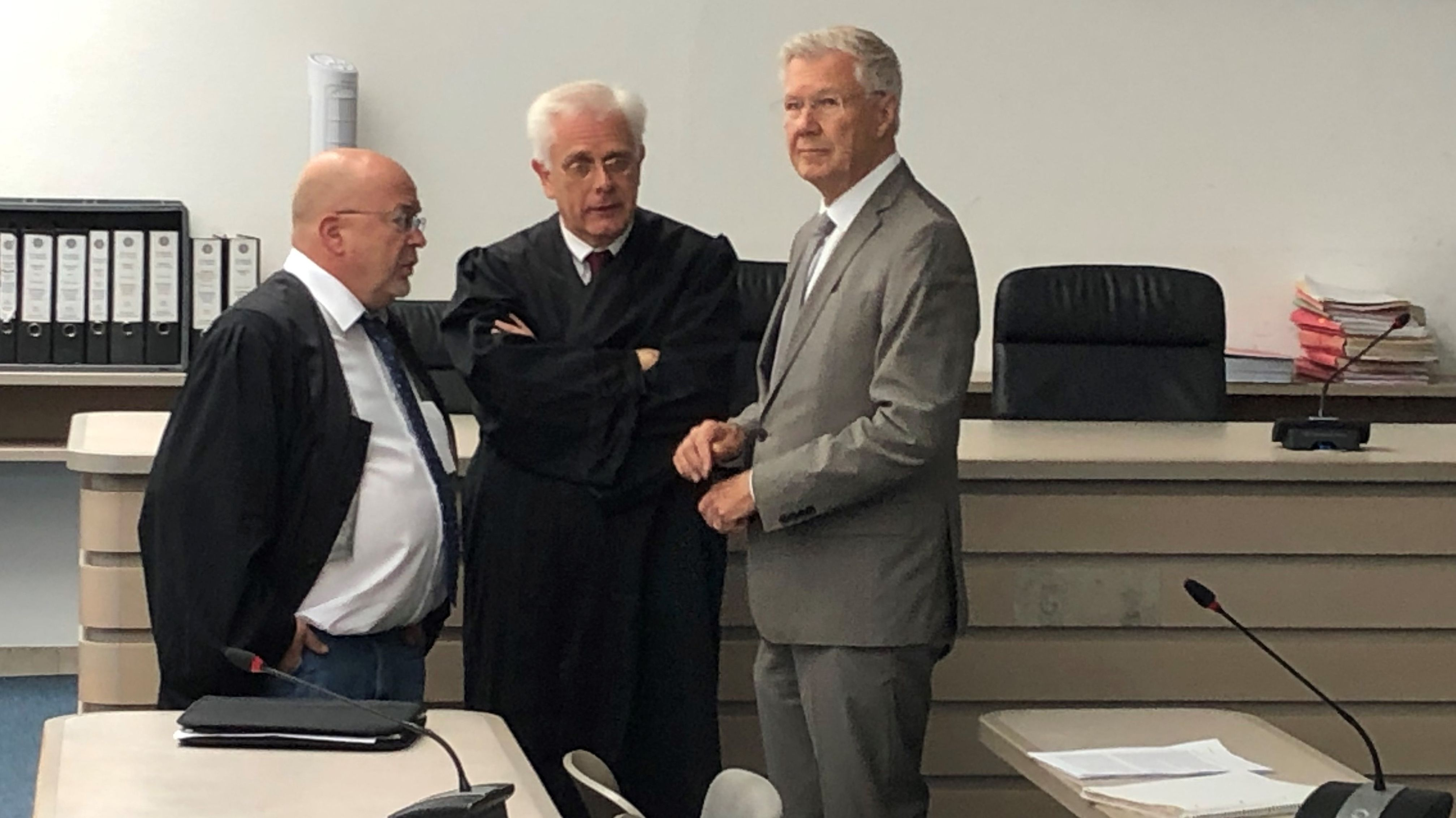 Alt-Oberbürgermeister Alfred Lehmann kurz vor Beginn der Plädoyers im Bestechungsprozess.