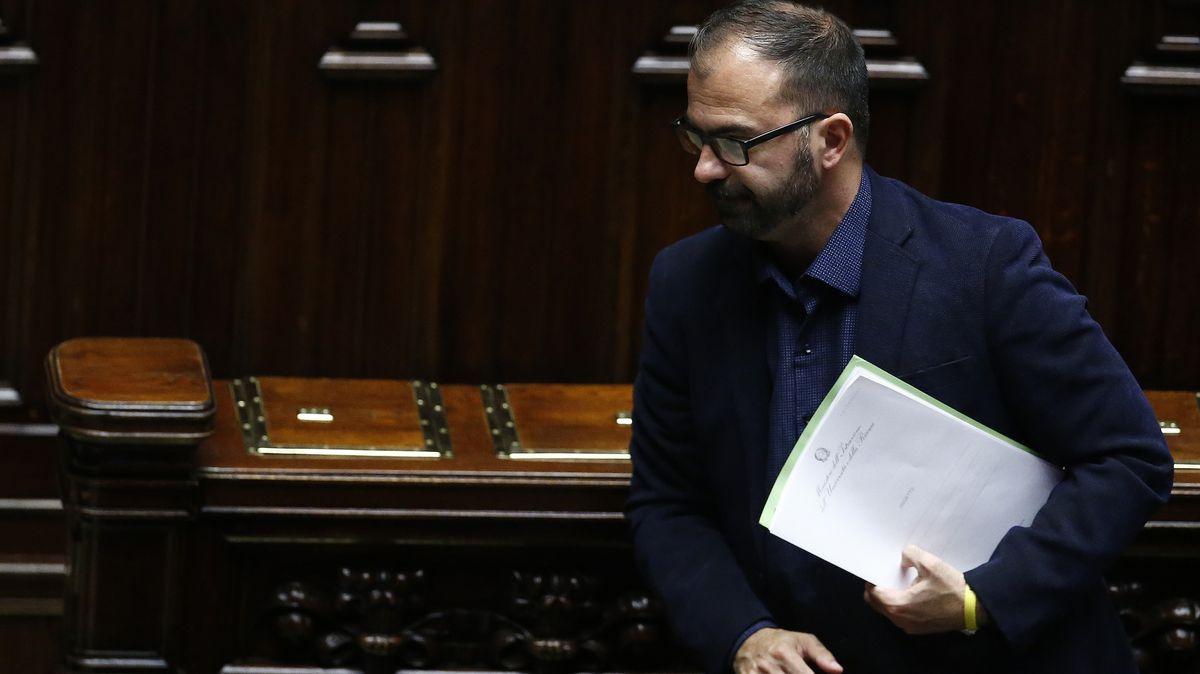 Der italienische Bildungsminister Lorenzo Fioramonti hat eigenen Angaben zufolge seinen Rücktritt eingereicht.