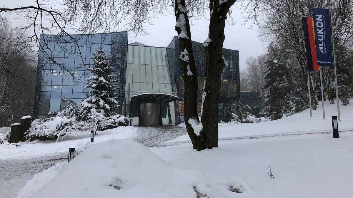 Das Firmengebäude von Alukon
