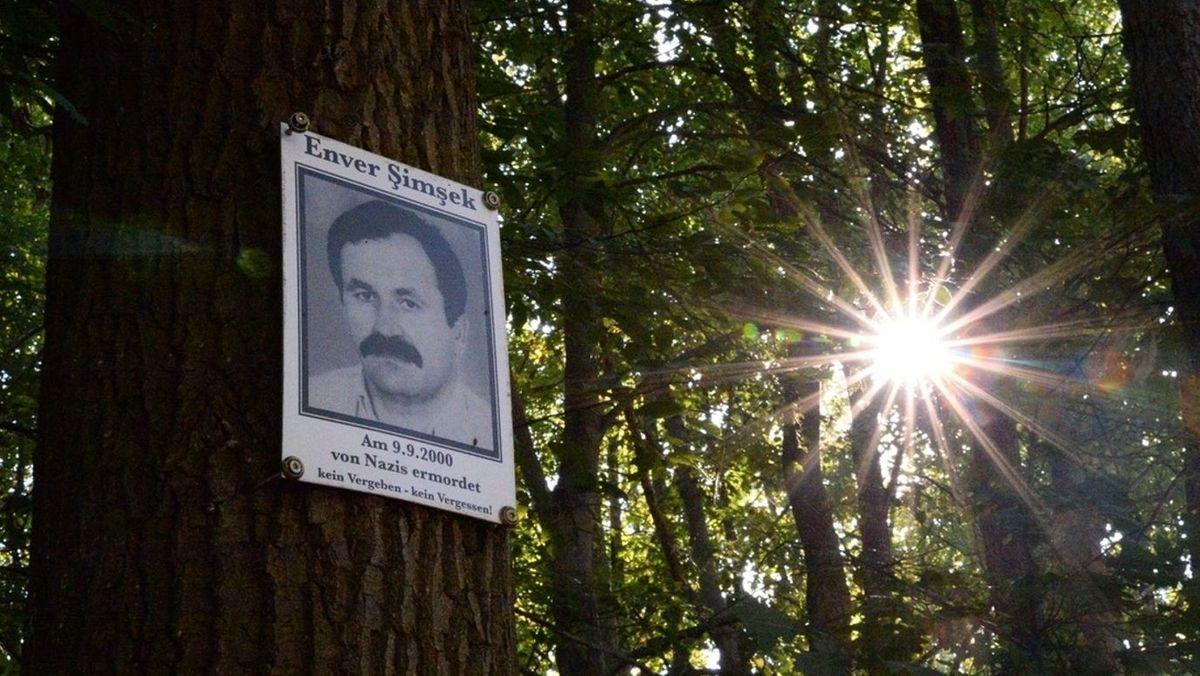 Gedenkschild am Tatort in Nürnberg-Langwasser