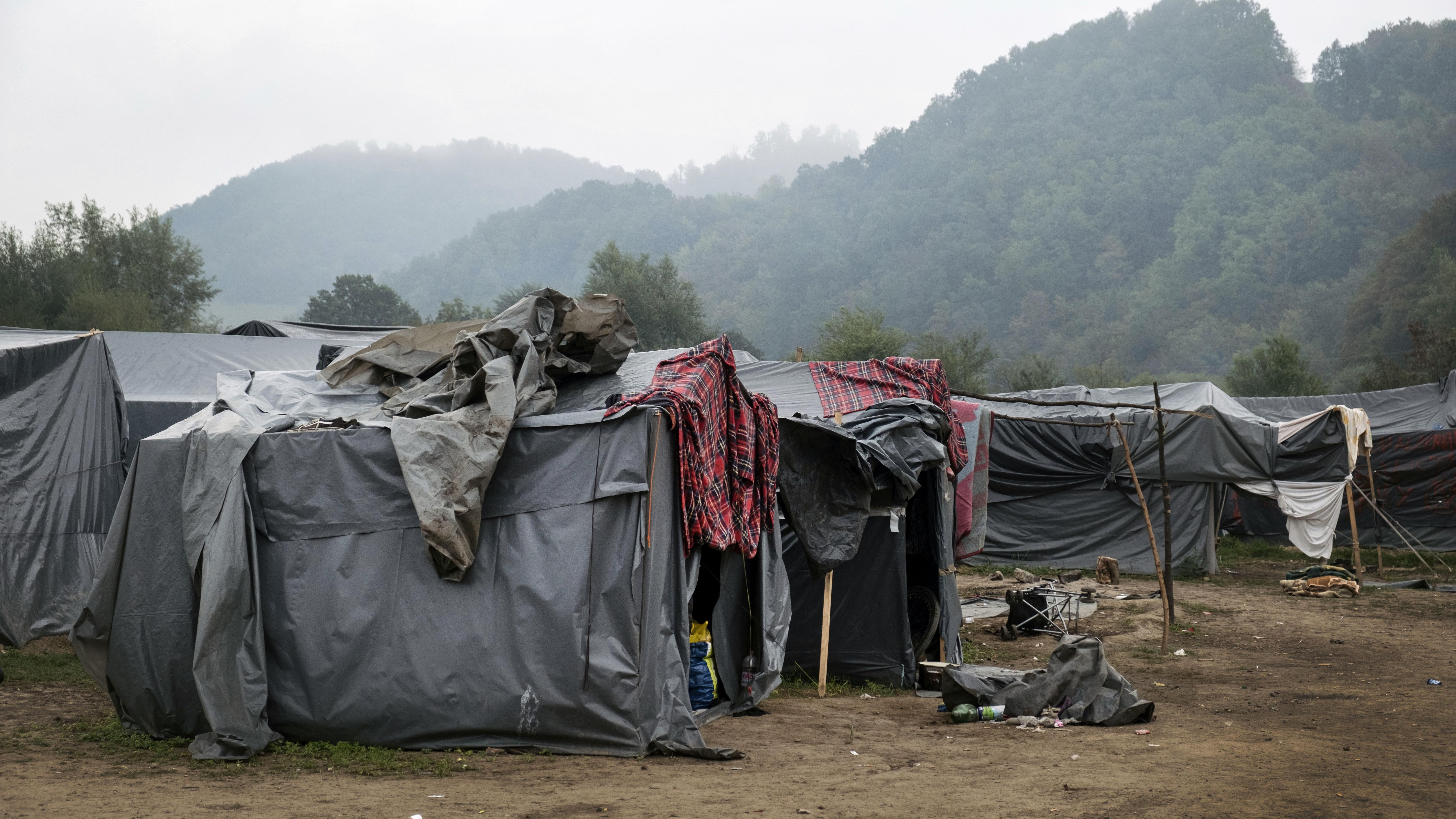Wildes Camp in Bosnien nahe der Grenze zu Kroatien
