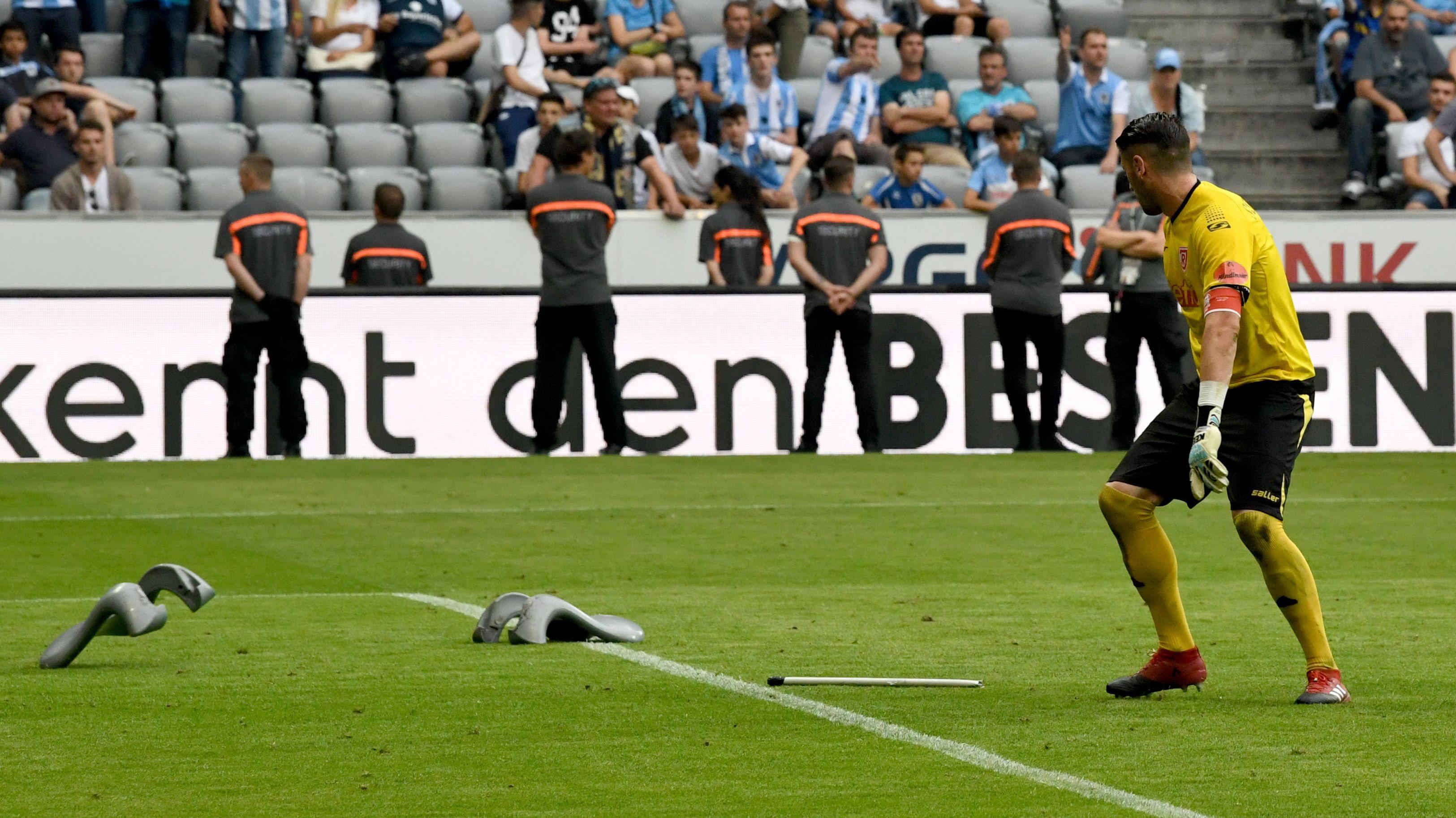 Philipp Pentke beim Relegationsspiel 1860 München-Jahn Regensburg im Mai 2017