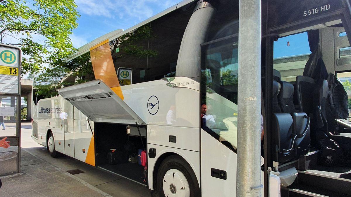 Bus der Lufthansa