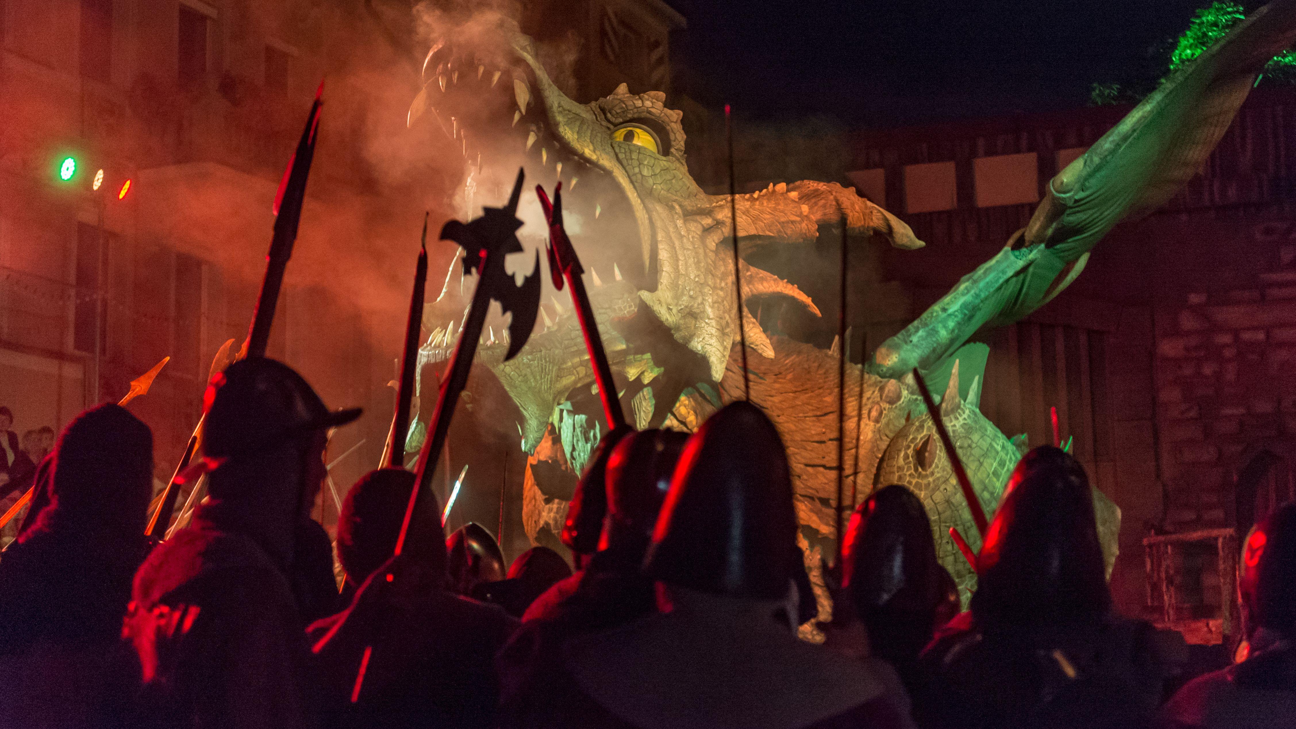 Am Freitag feiert der Further Drachenstich Premiere: An der Inszenierung wirken rund 1.000 Darsteller und mehr als 250 Pferde mit.