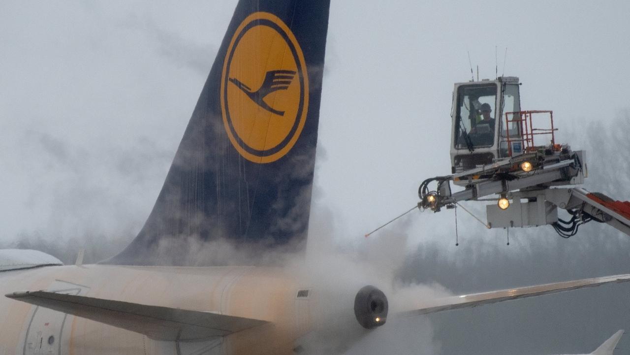 Winter Flughafen München (Symbolbild)