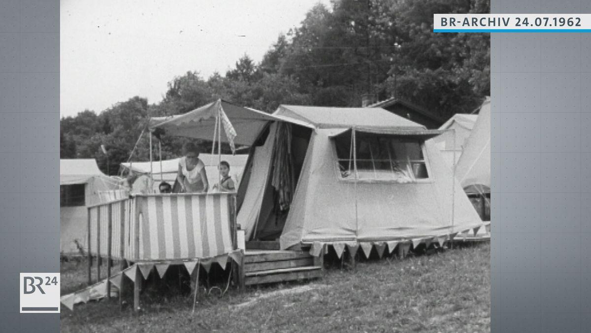 Familie beim Campen
