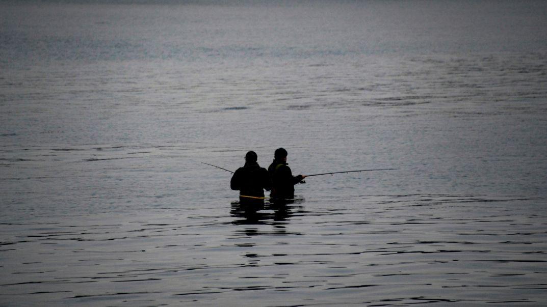 Zwei Angler (Symbolbild)