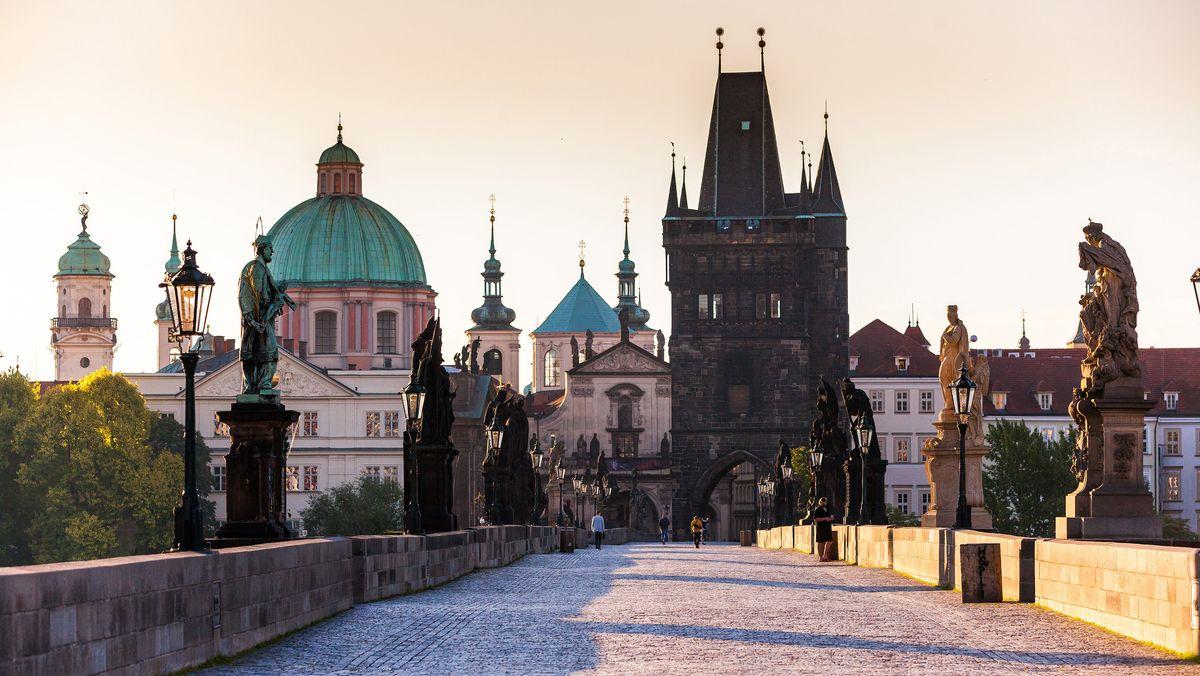 Symbolbild: Leere Straßen in Tschechien