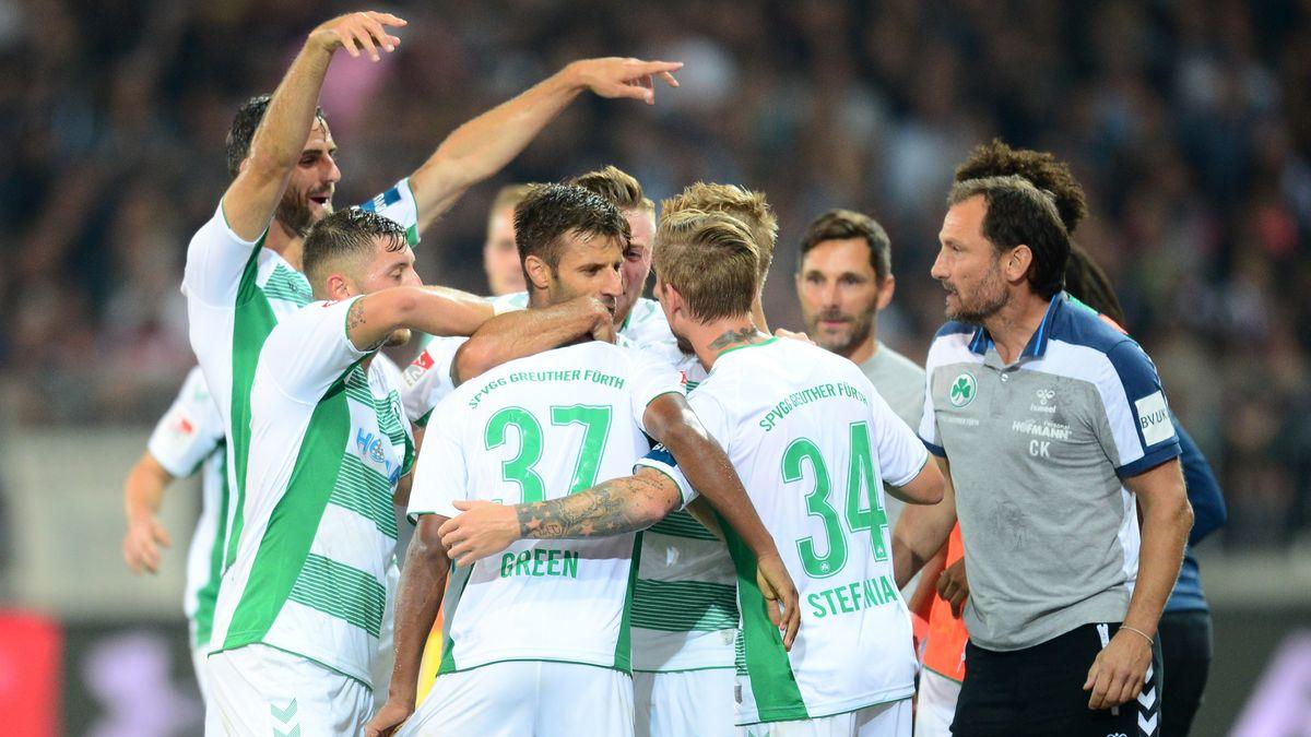 Gehen zuversichtlich in die Rückrunde: die Spieler der SpVgg Greuther Fürth.