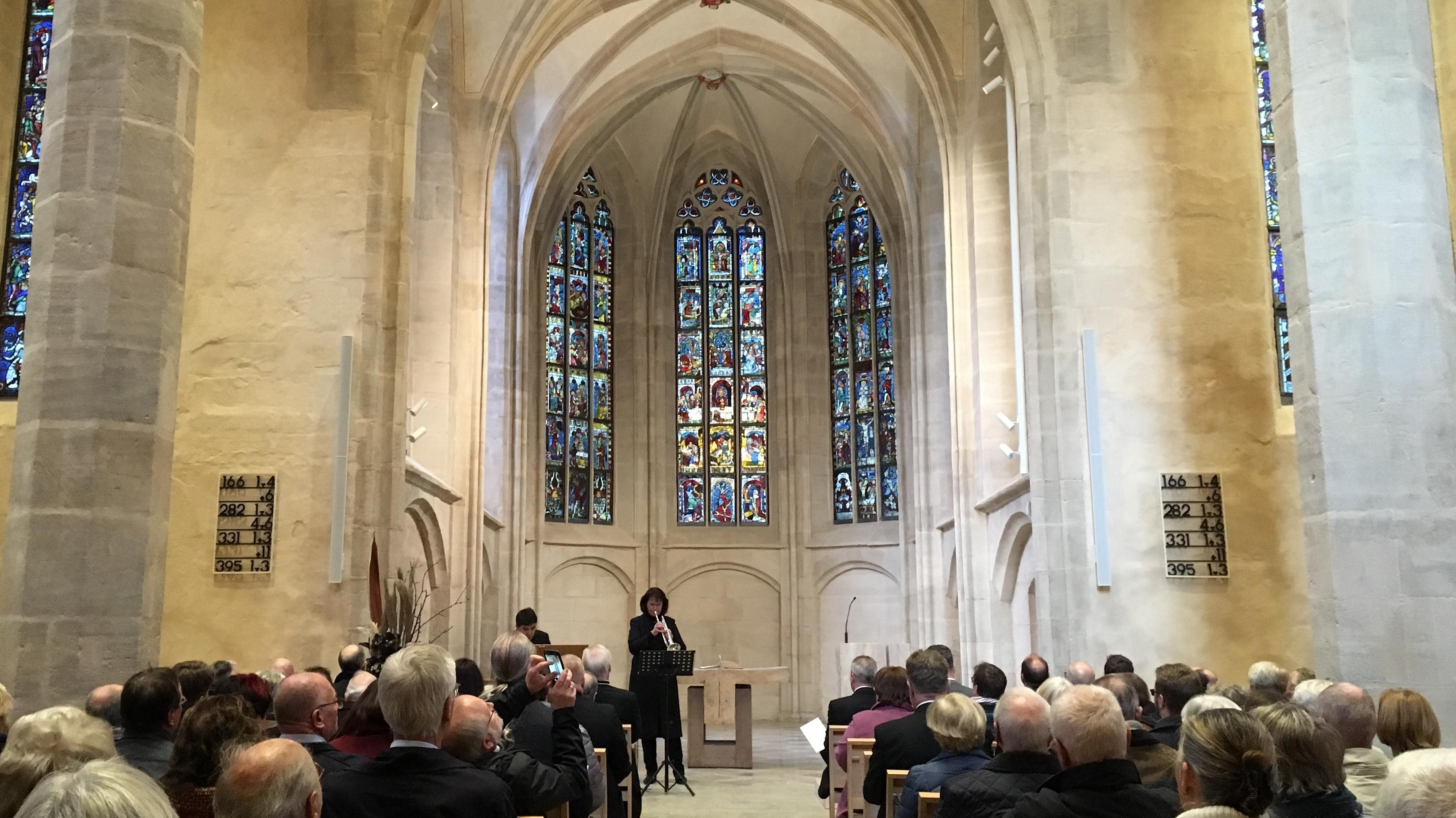 Auf der Eröffnungsveranstaltung in der sanierten St. Martha-Kirche in Nürnberg