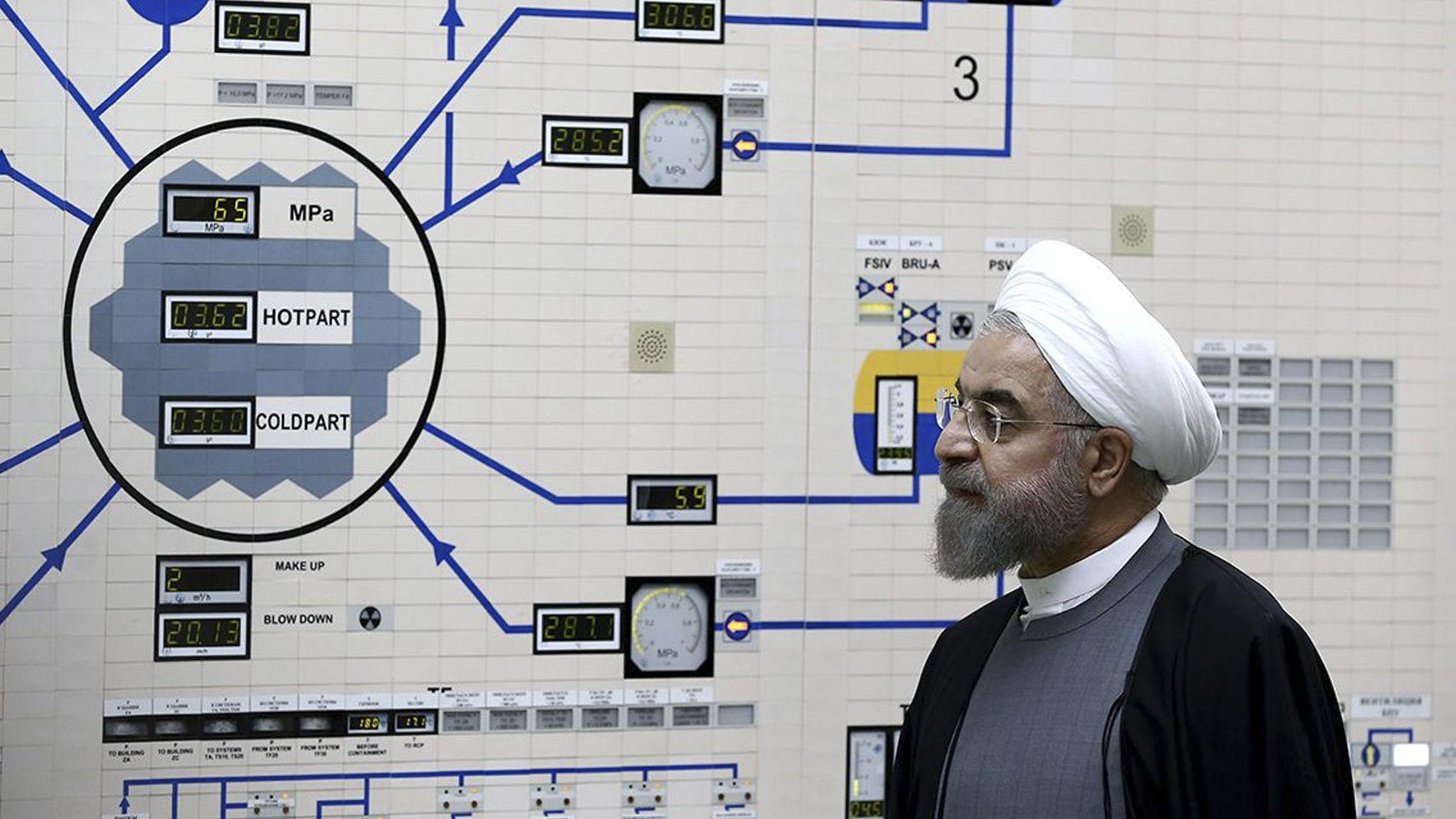 Archivbild aus dem Jahr 2015: Hassan Ruhani besucht das Kernkraftwerkes Buschehr.