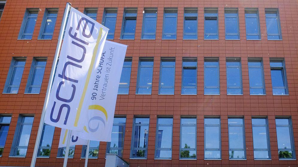 Die Schufa an ihrem Firmensitz in Wiesbaden.   Bild:Picture Alliance