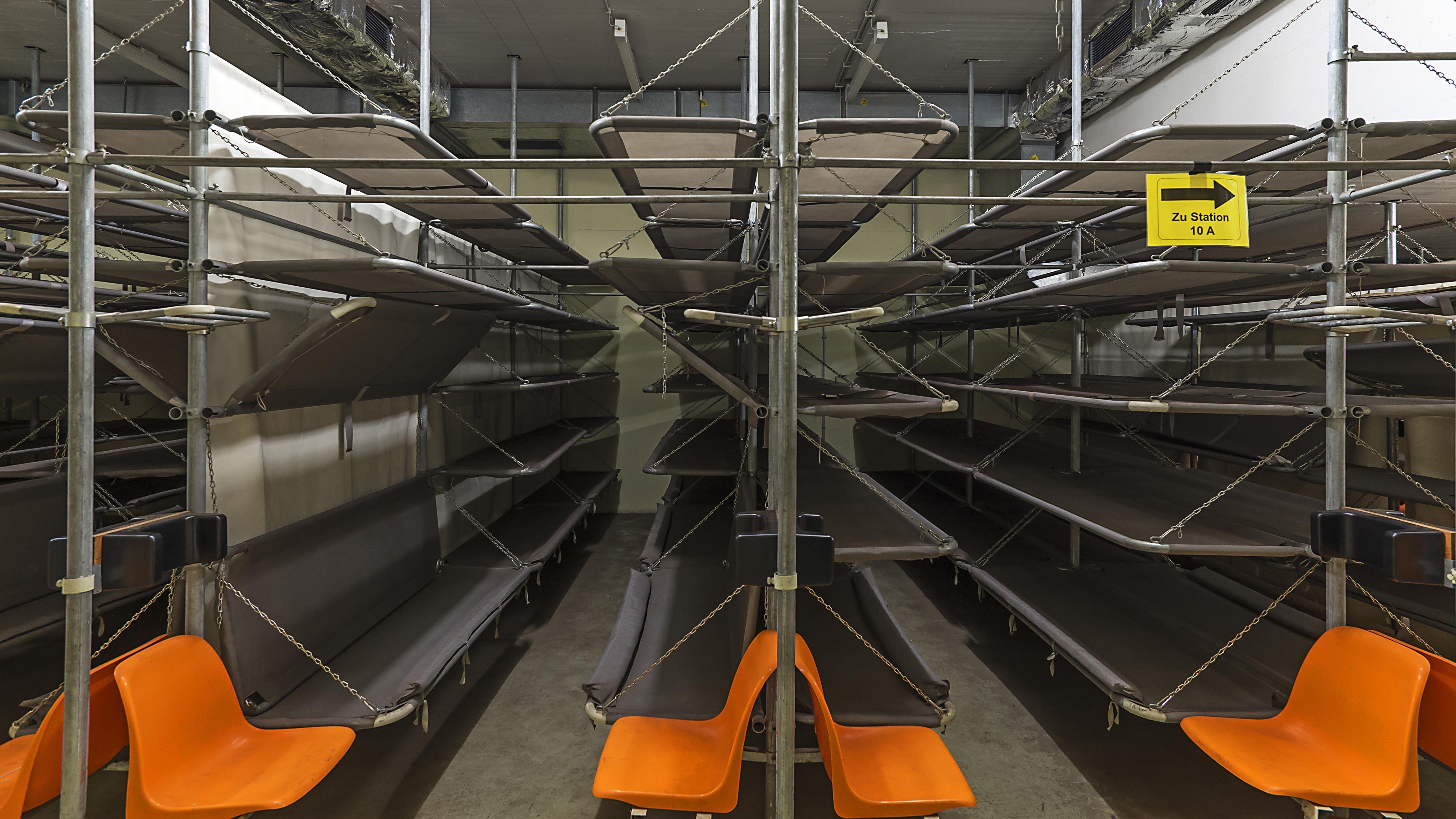 Schlafraum im stillgelegtem Atombunker in Nürnberg.