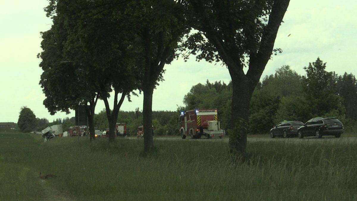 Die vier Insassen des Pkw starben bei dem Verkehrsunfall.