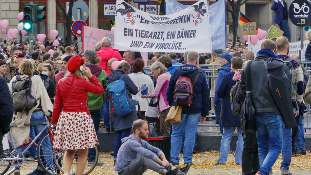 Corona-Demonstranten in Berlin   Bild:pa/dpa/Christian Behring