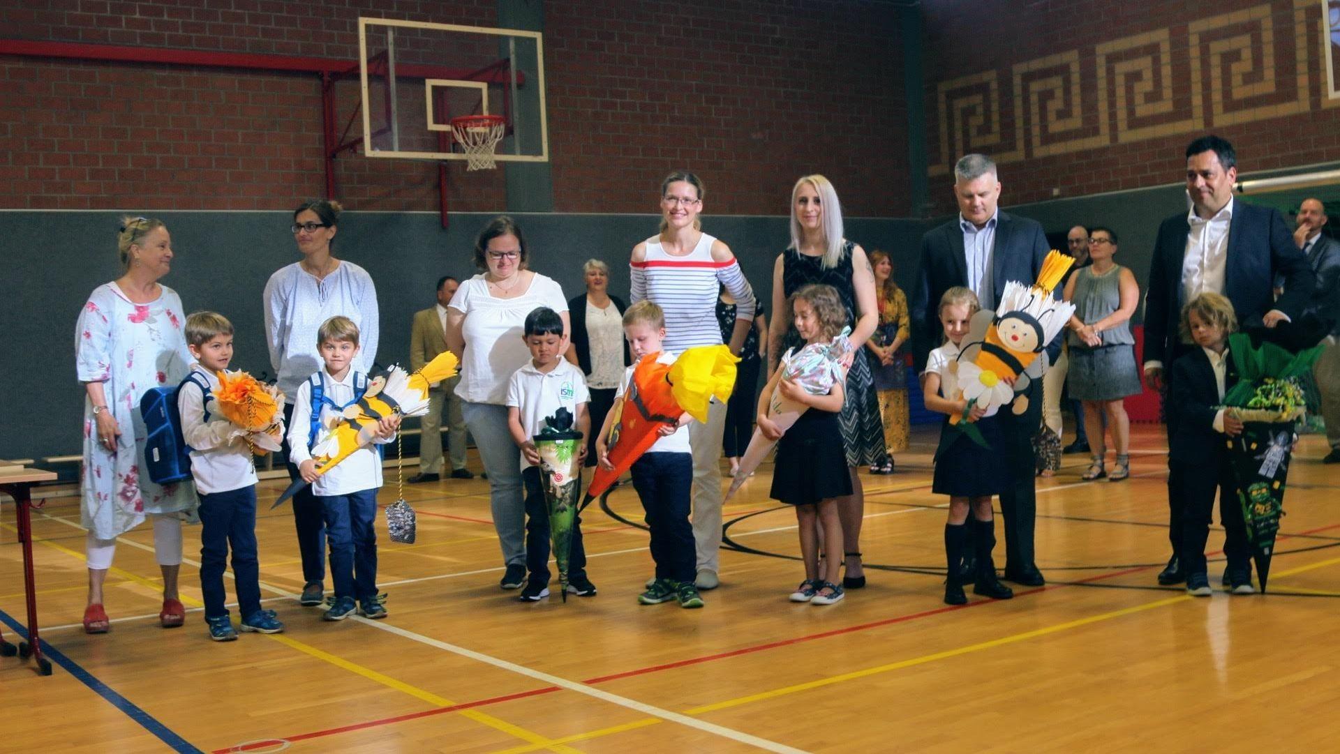 Begrüßung der Erstklässler in der International School Mainfranken