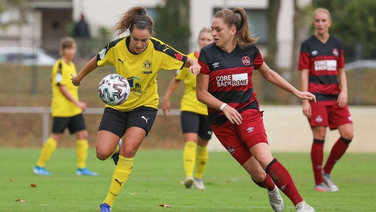 Die Frauen des 1. FC Nürnberg beim DFB-Pokal gegen SC Opel 06 Rüsselsheim