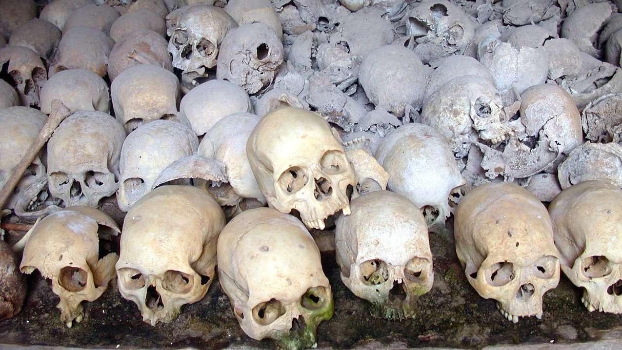 Totenschädel von Opfern des Völkermord in Ruanda