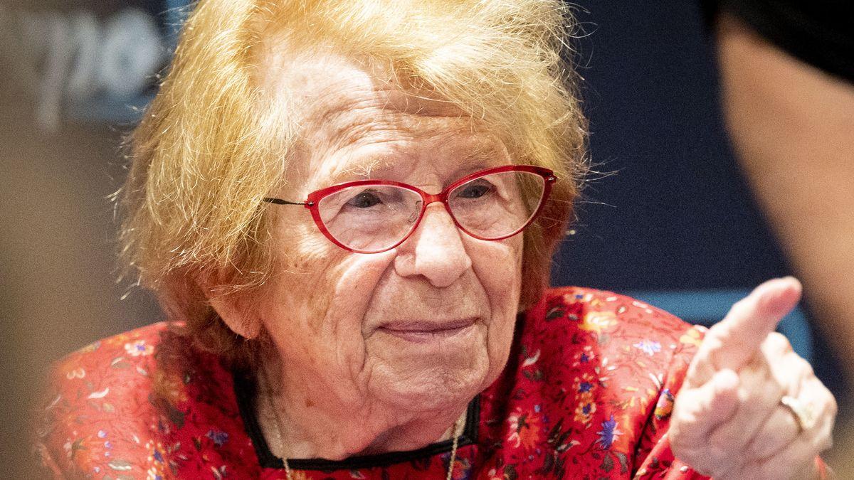 Die Holocaust-Überlebende Dr. Ruth Westheimer hat sich immer für eine erfüllte Sexualität eingesetzt.