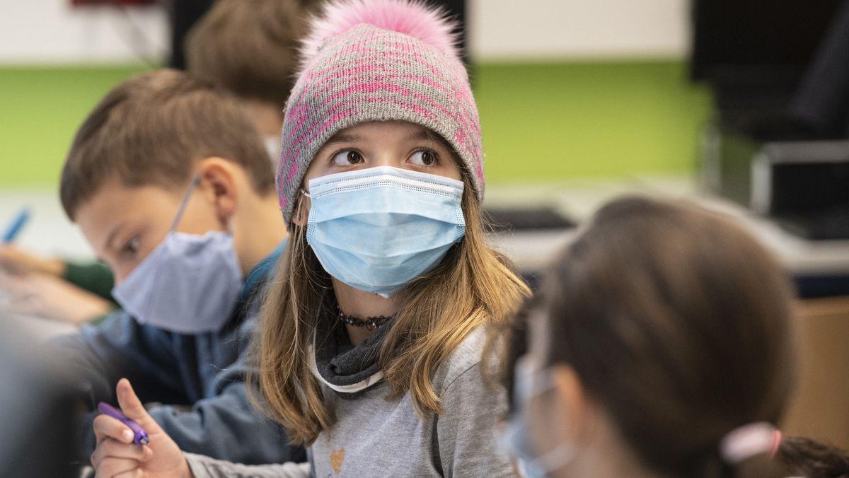 Nach den Herbstferien gilt für alle Schülerinnen und Schüler Maskenpflicht im Unterricht;