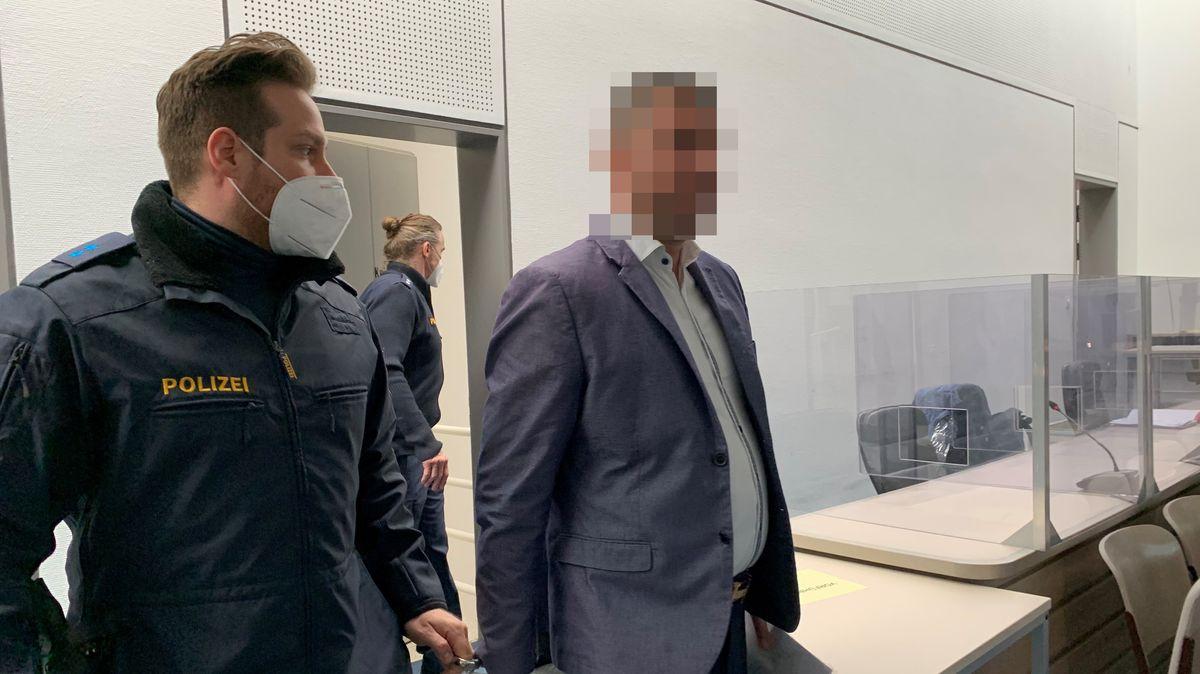 Das Landgericht Ingolstadt verhandelt einen mutmaßlichen Mord in einem Internetcafé