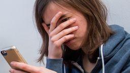 Cybermobbing betrifft viele Schüler | Bild:picture alliance