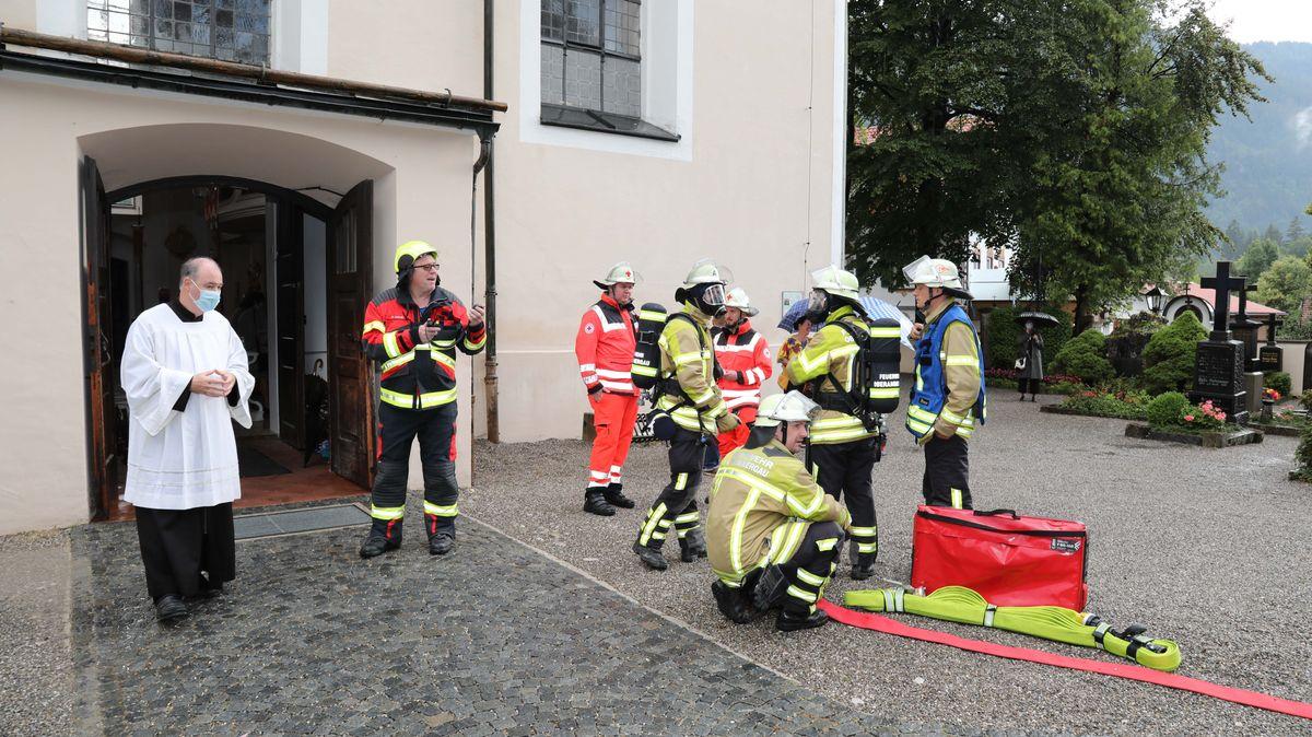 Blitzschlag beim Abschlussgottesdienst in Oberammergau.