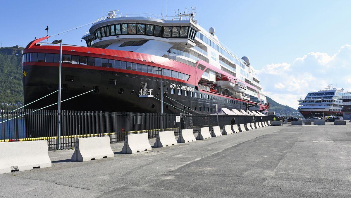 Schiffe am Kai in Norwegen