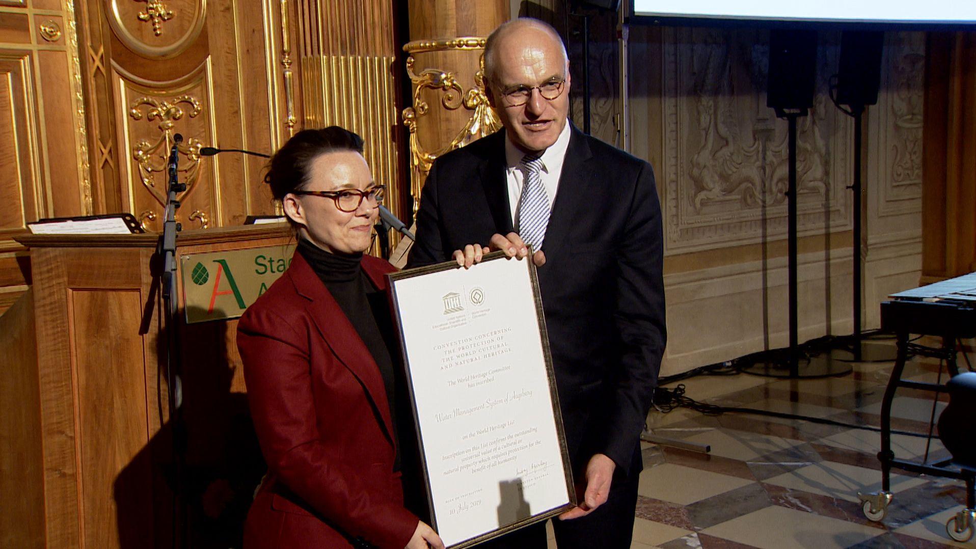 Augsburgs OB Gribl erhält Unesco-Urkunde