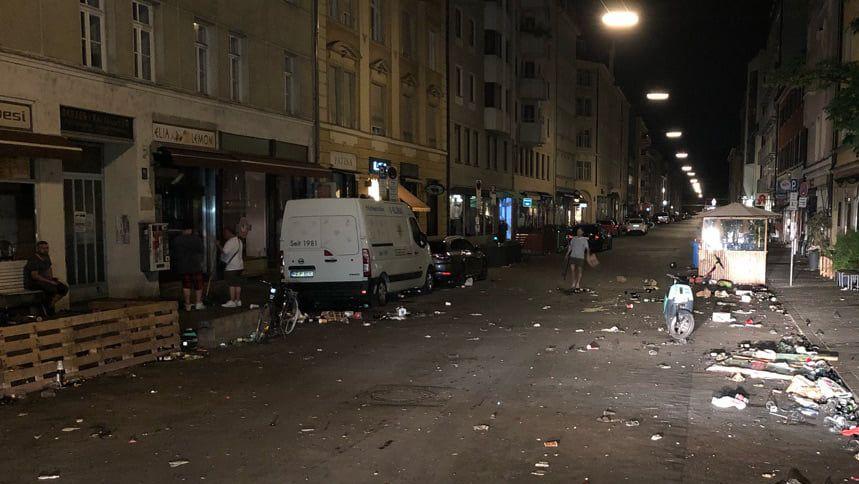 Polizei löst Feier mit bis zu 1.000 Feiernden in Münchner Türkenstraße auf