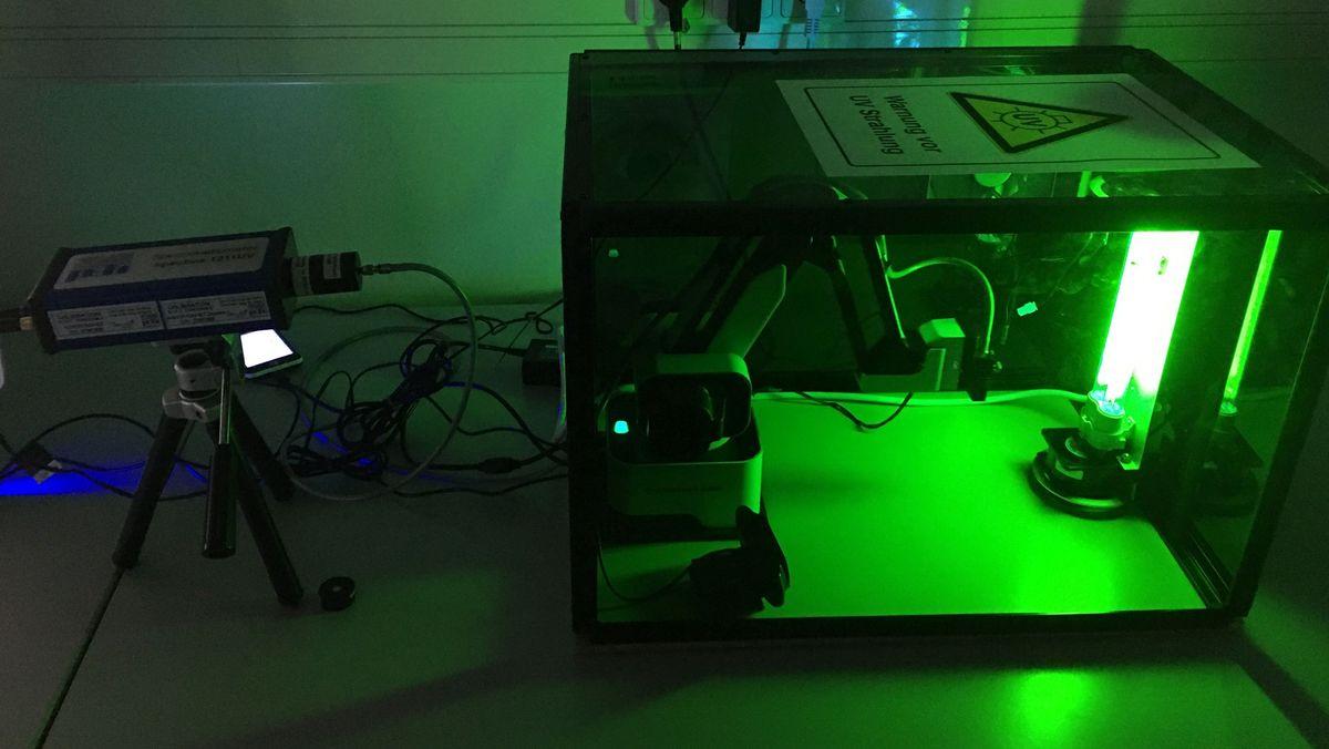 UV-C-Gerät im Labor der Hochschule München