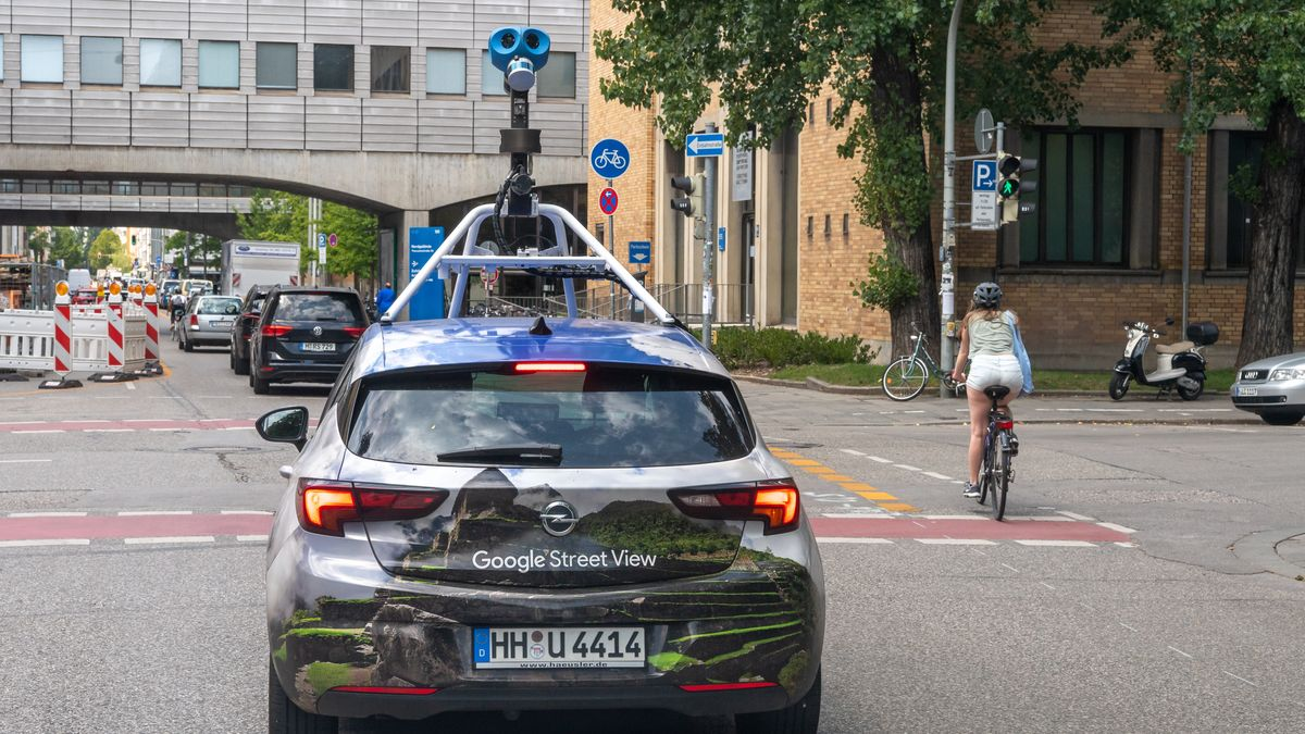 Ein Google-Streetview-Auto in München. (Symbolbild)