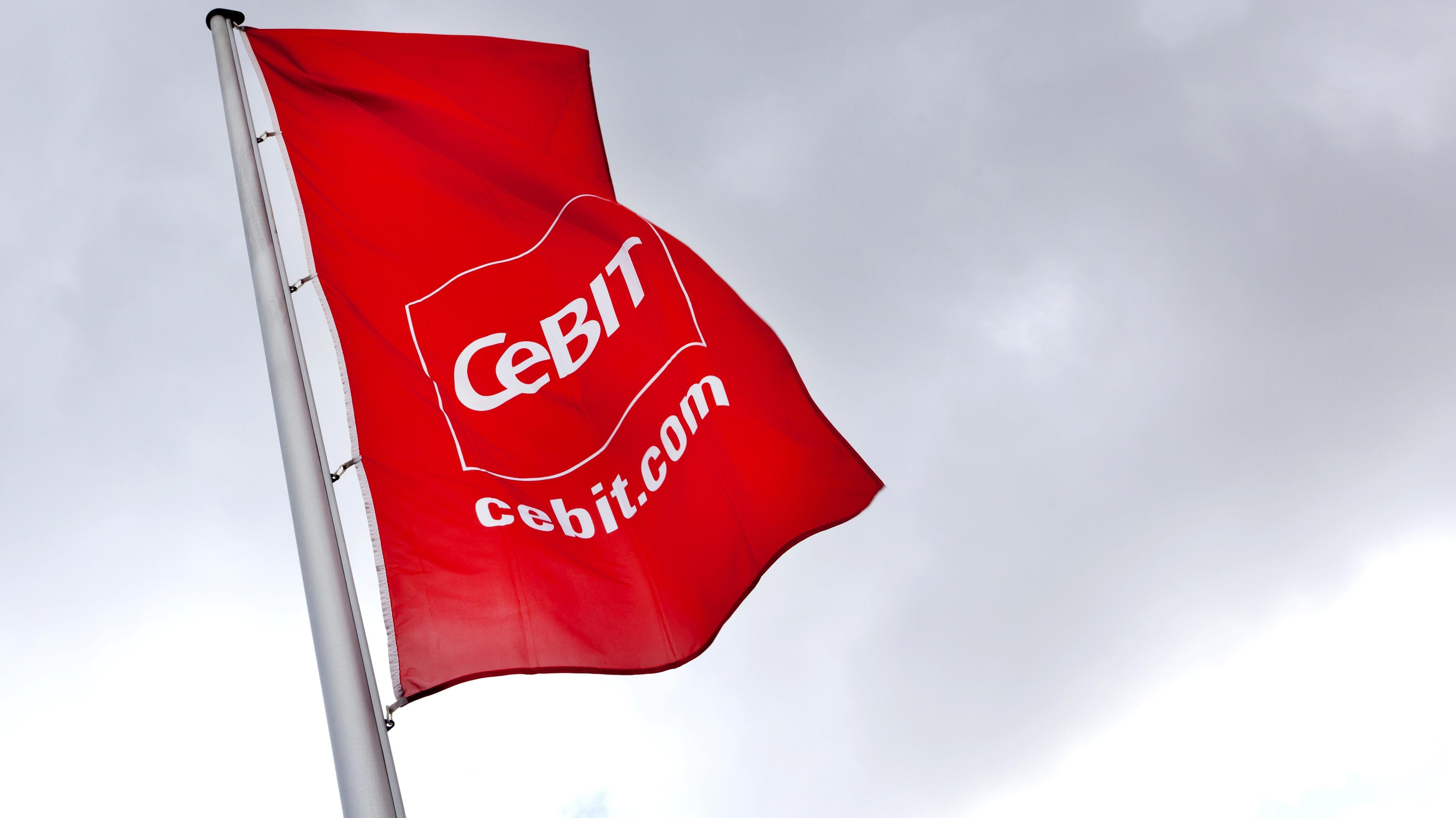 Fahne mit dem Logo der Computer-Messe Cebit