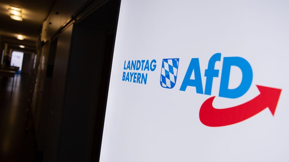 """Schild: """"Landtag Bayern AfD"""""""