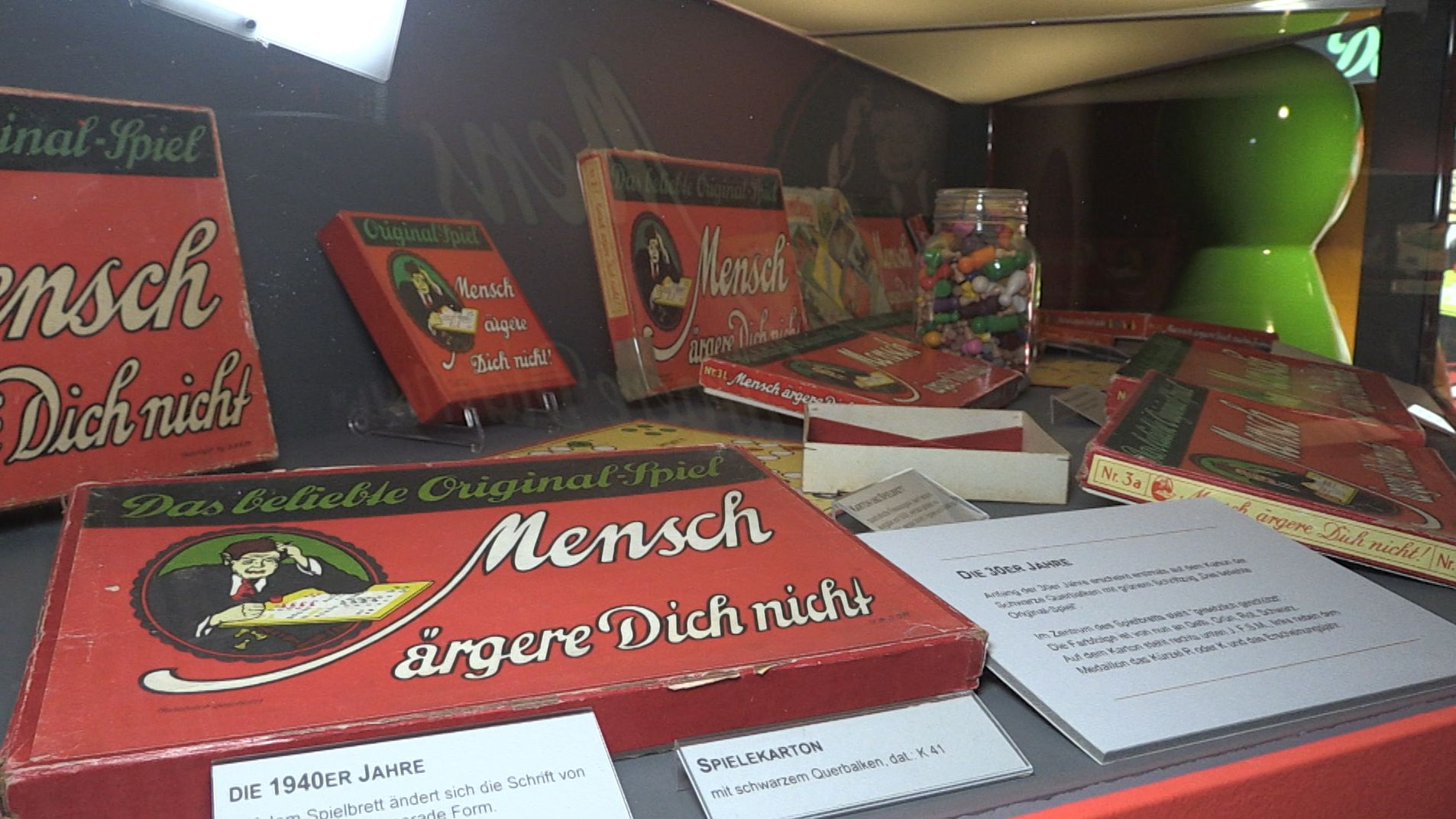"""Ausstellung zu """"Mensch ärgere dich nicht"""""""