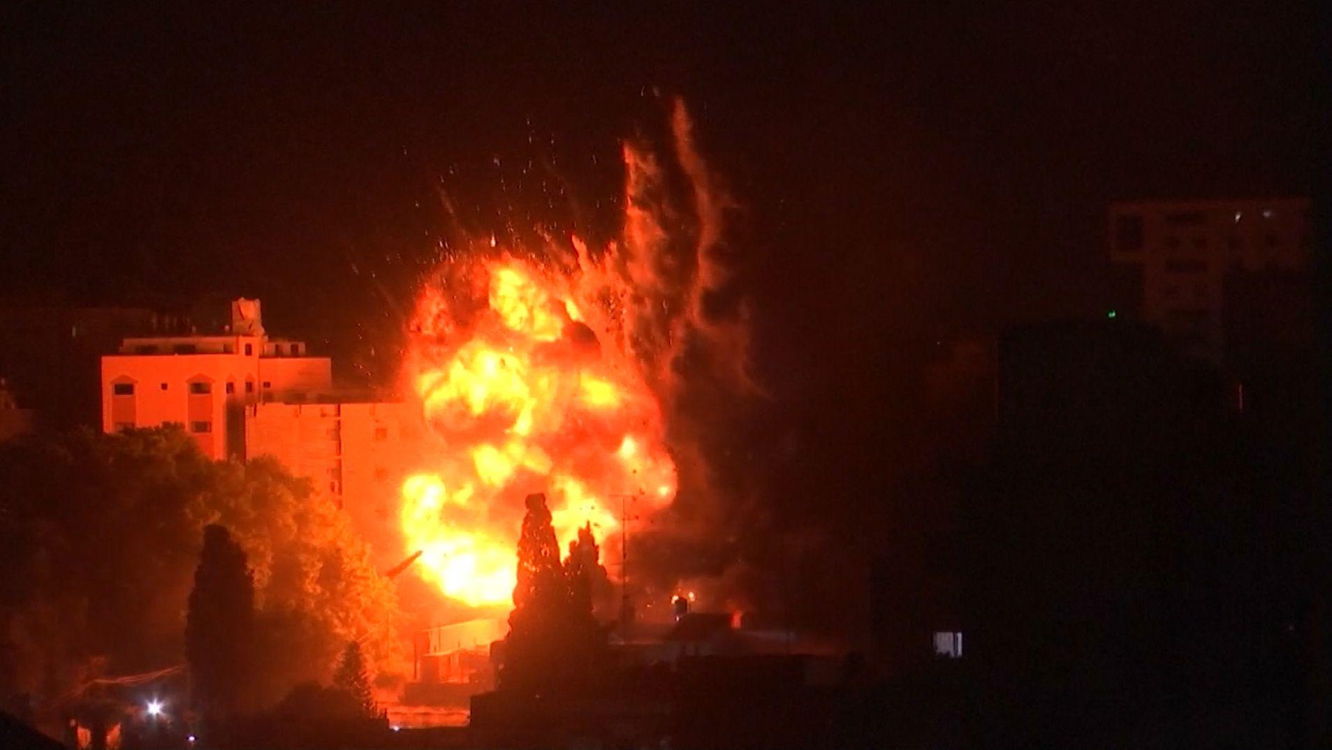 Militante Palästinenser feuerten hunderte Raketen auf israelische Ortschaften ab. Israels Luftwaffe antwortete mit Vergeltungsschlägen.