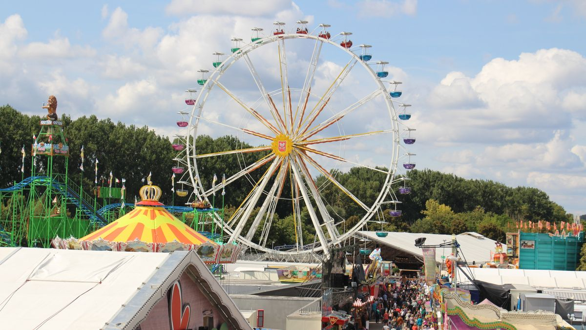 Große Veranstaltungen bleiben bis Ende August verboten. Die Regensburger Herbstdult im September steht aber wohl auch auf der Kippe.