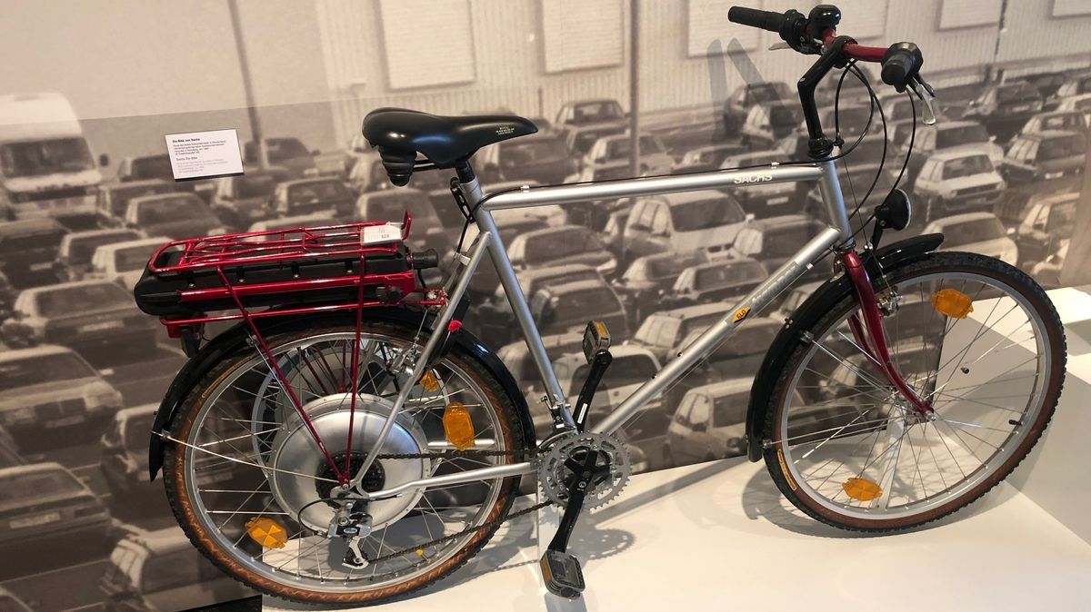 Das Elo-Bike, ein aus heutiger Sicht prähistorisches Ebike von Sachs aus den 90er Jahren, mit dem die Franken ihrer Zeit lange voraus waren.
