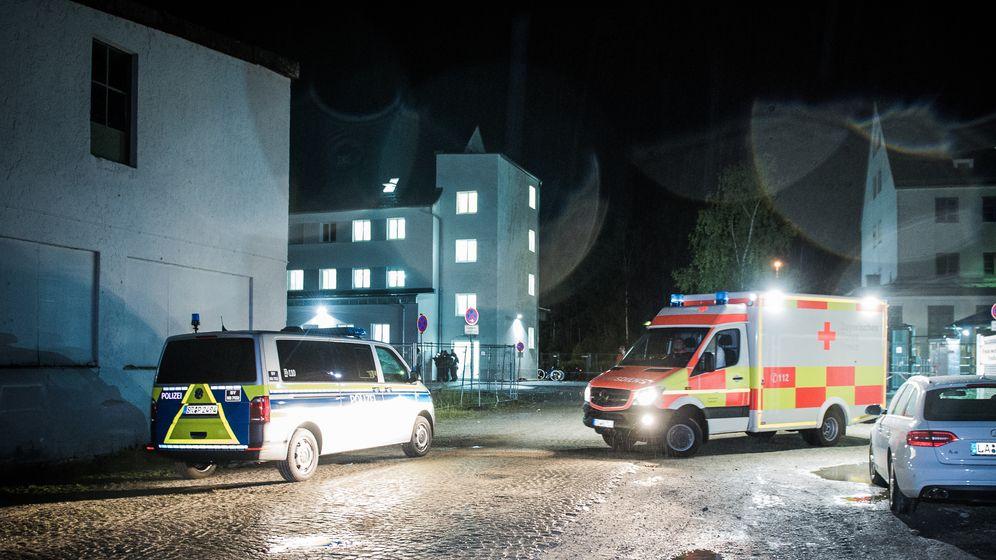 Größerer Polizeieinsatz im Ankerzentrum Deggendorf. | Bild:news5