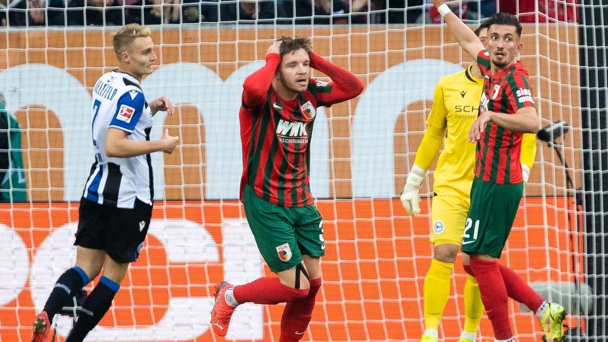 Spielszene FC Augsburg - Arminia Bielefeld