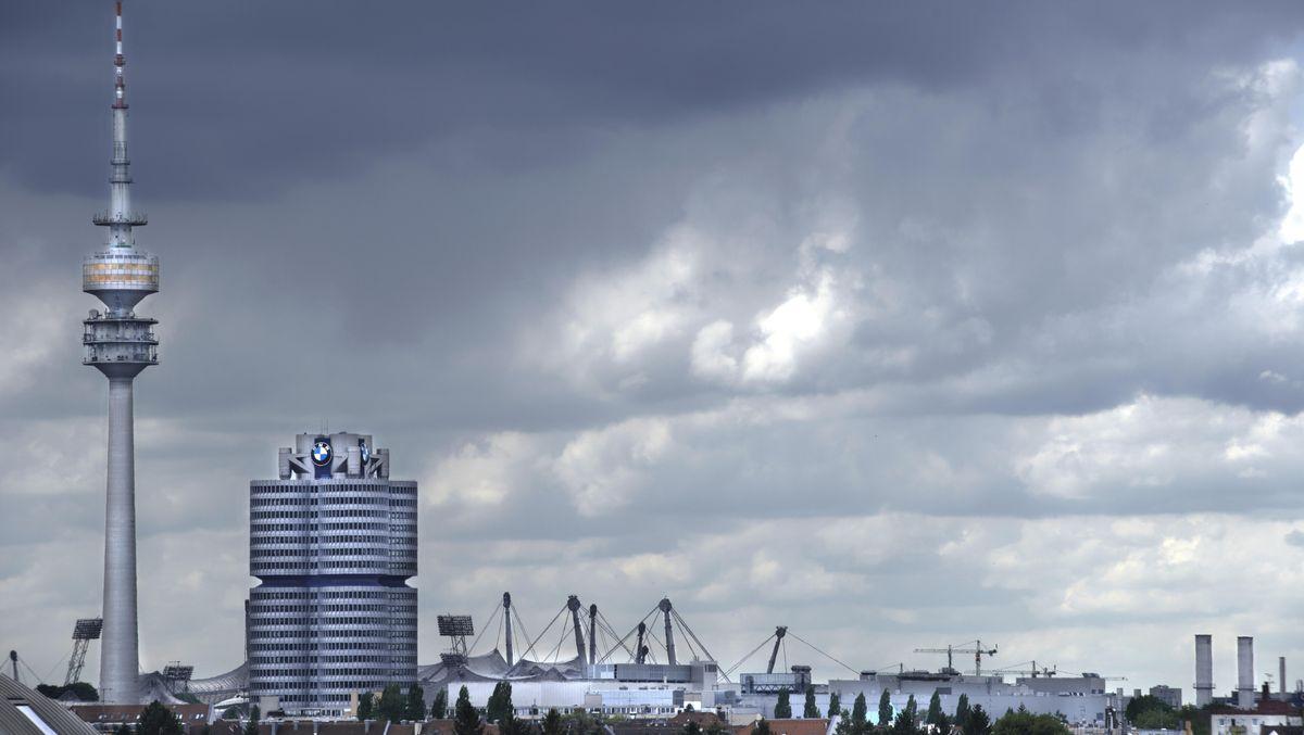 Münchner Olympiagelände vor Unwetter
