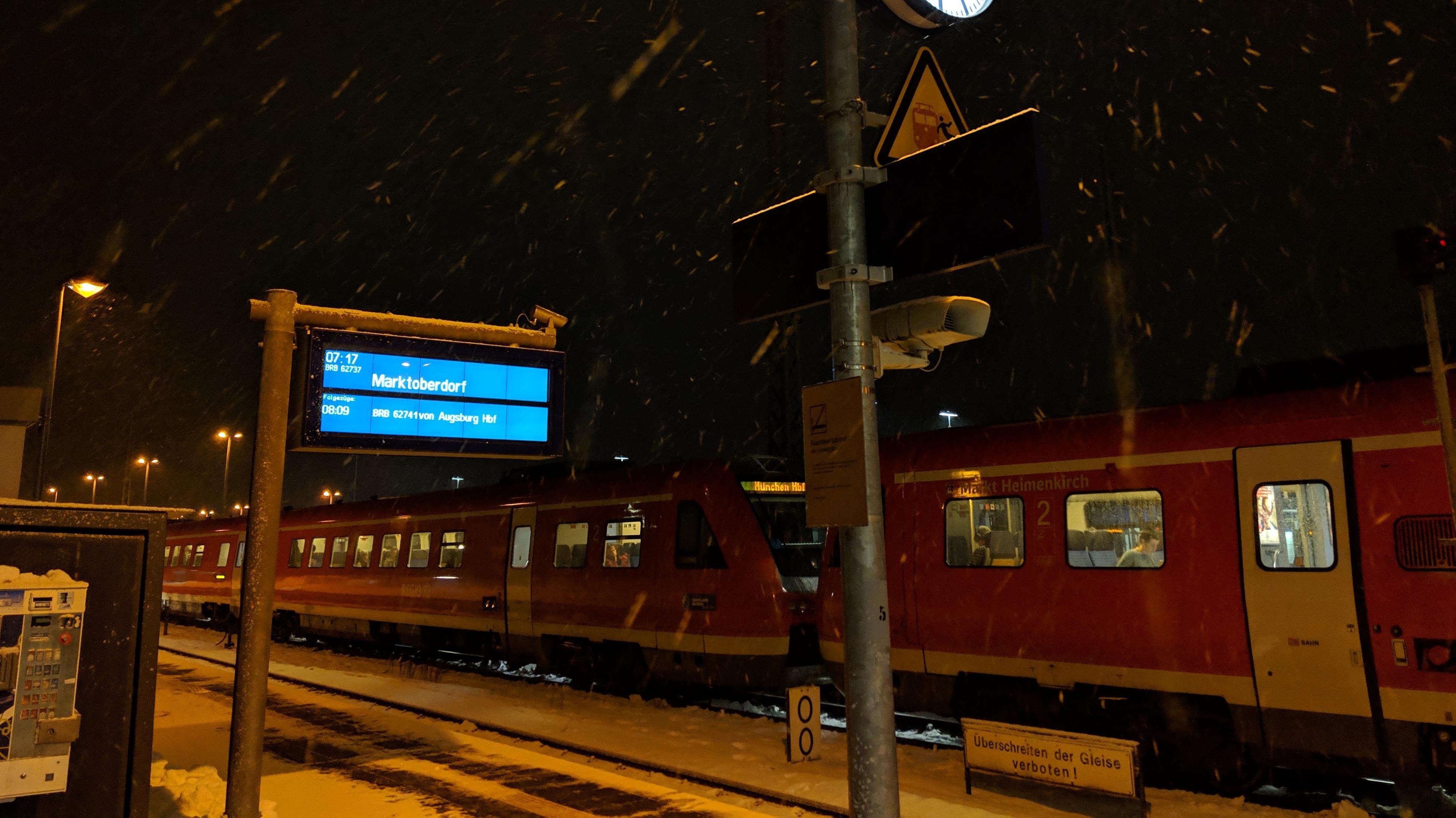 Schneetreiben am Bahnhof Buchloe