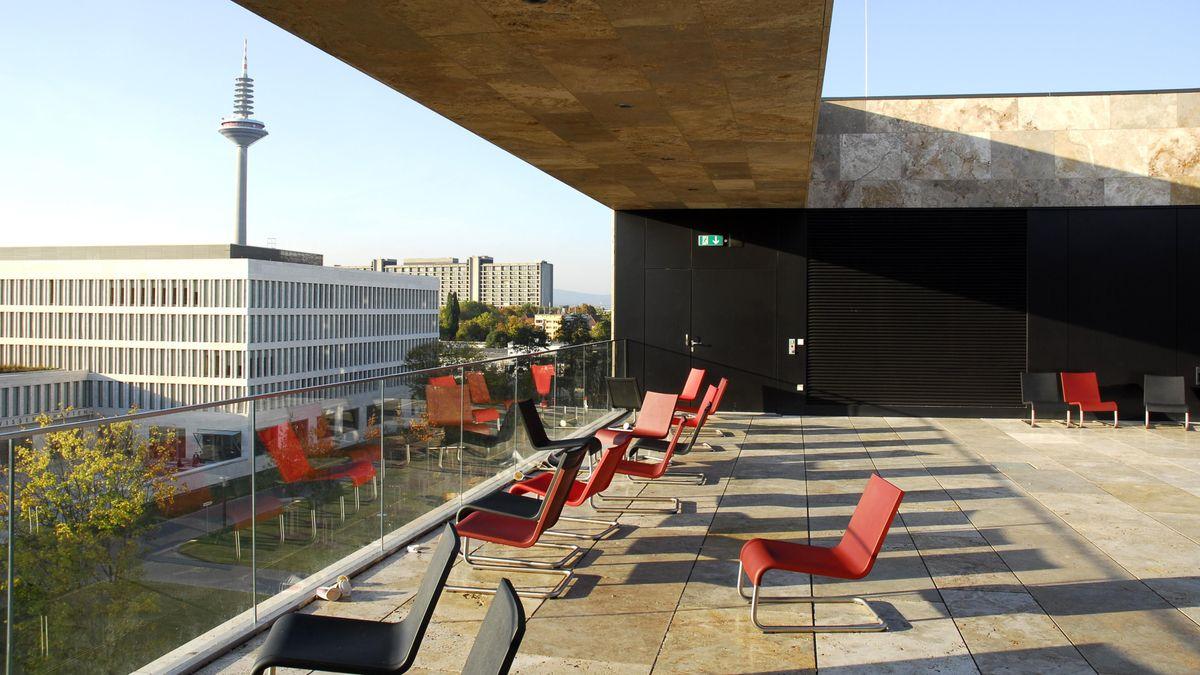 Ausblick von Frankfurter Uni-Dachterrasse