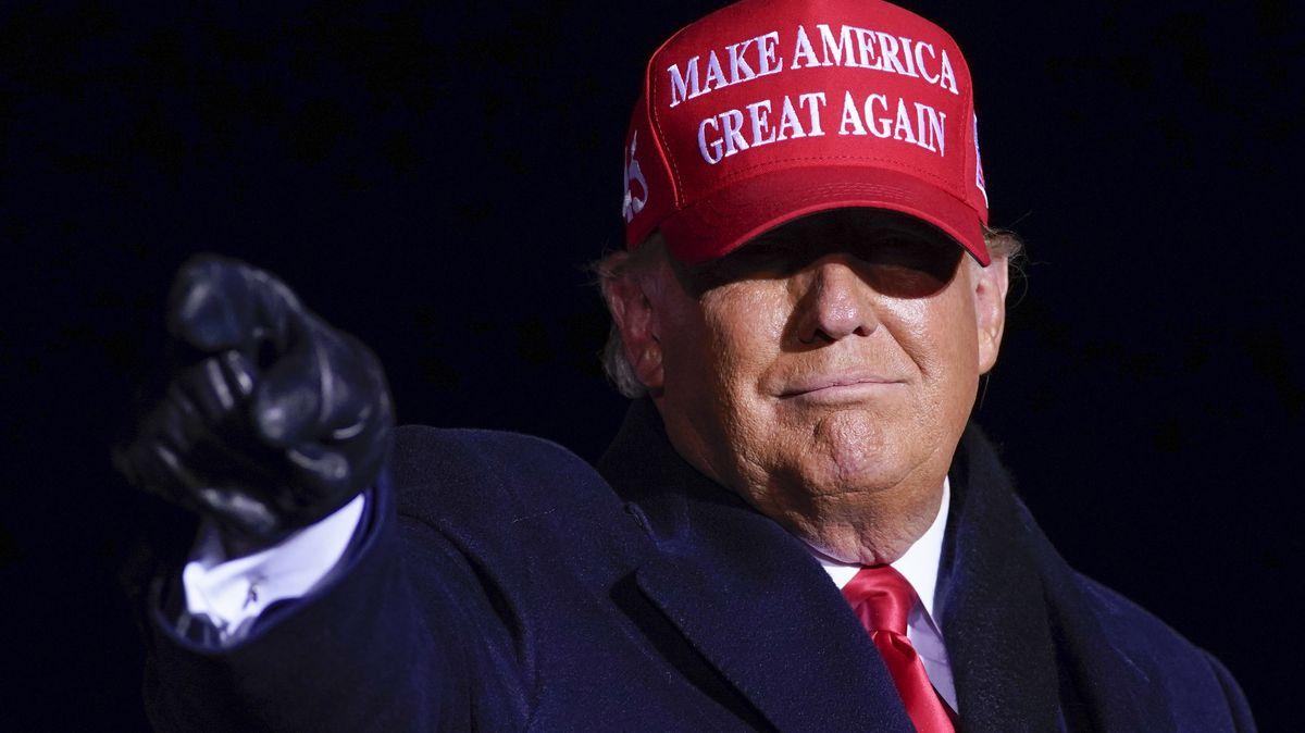US-Präsident Donald Trump, Anfang November bei einer Wahlkampfveranstaltung auf dem Regionalflughafen von Kenosha.