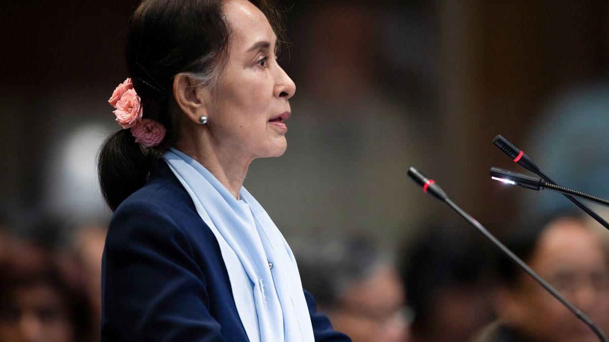 Aung San Suu Kyi, Regierungschefin von Myanmar, spricht am zweiten Tag der dreitägigen Anhörungen vor den Richtern des Internationalen Gerichtshofs