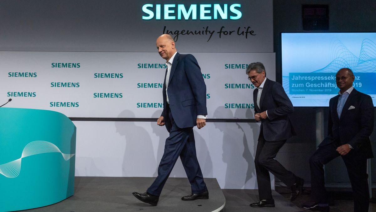 Ralf Thomas (l-r), Finanzvorstand der Siemens AG, Joe Kaeser, Vorstandsvorsitzender der Siemens AG