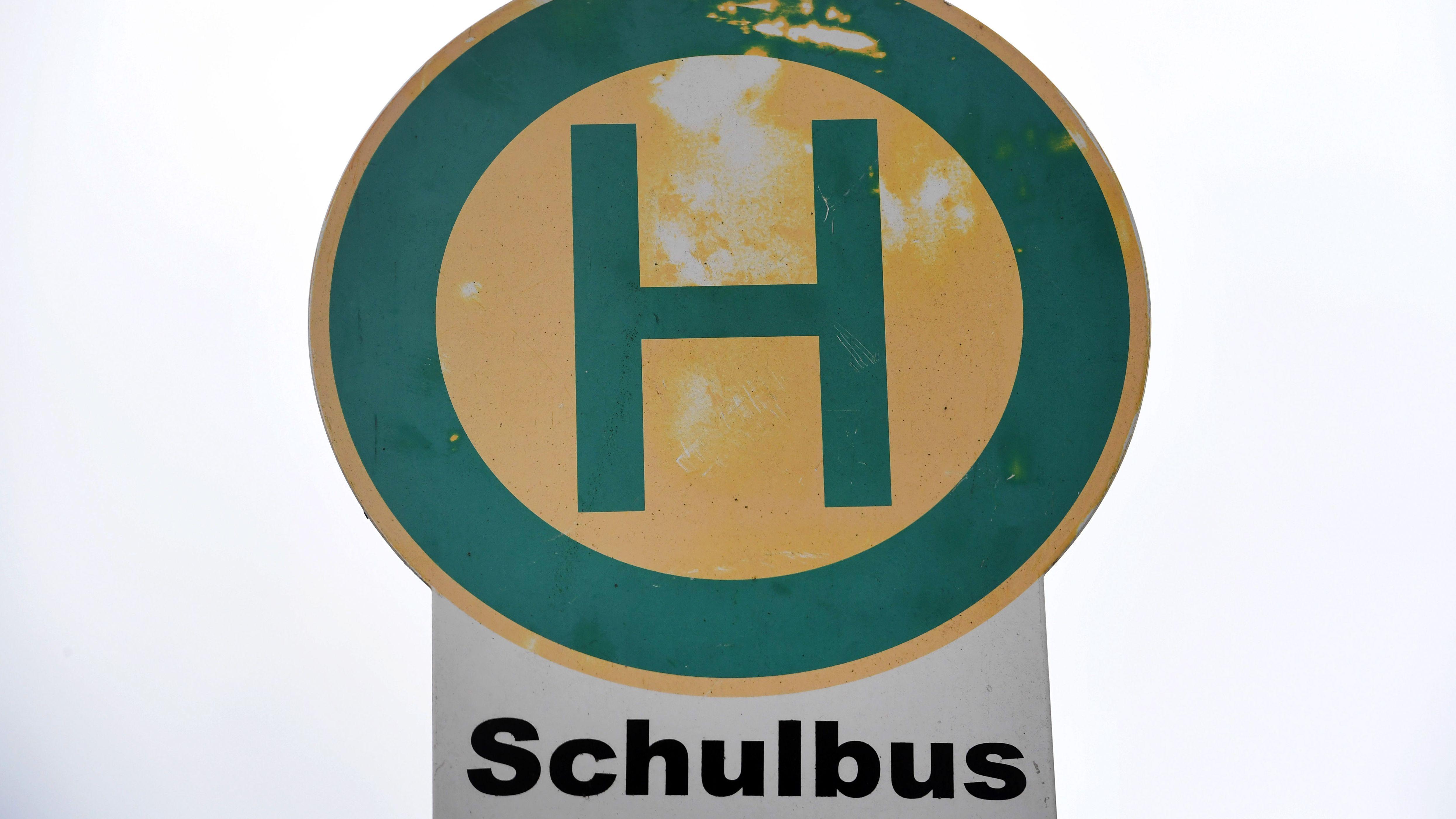 Symbolbild: Schulbushaltestelle