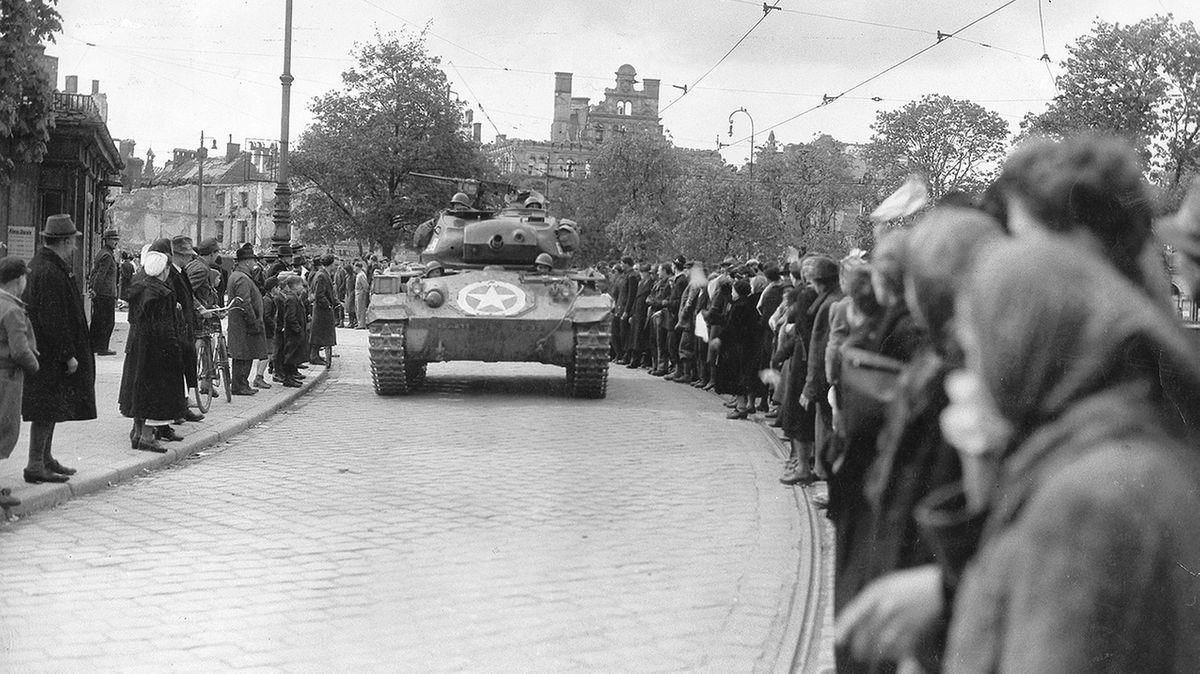 Panzer der 20. US-Division in München
